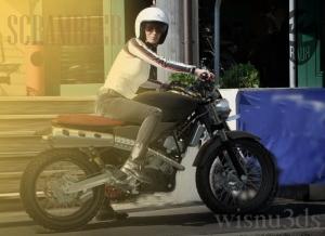 scrambler women rider